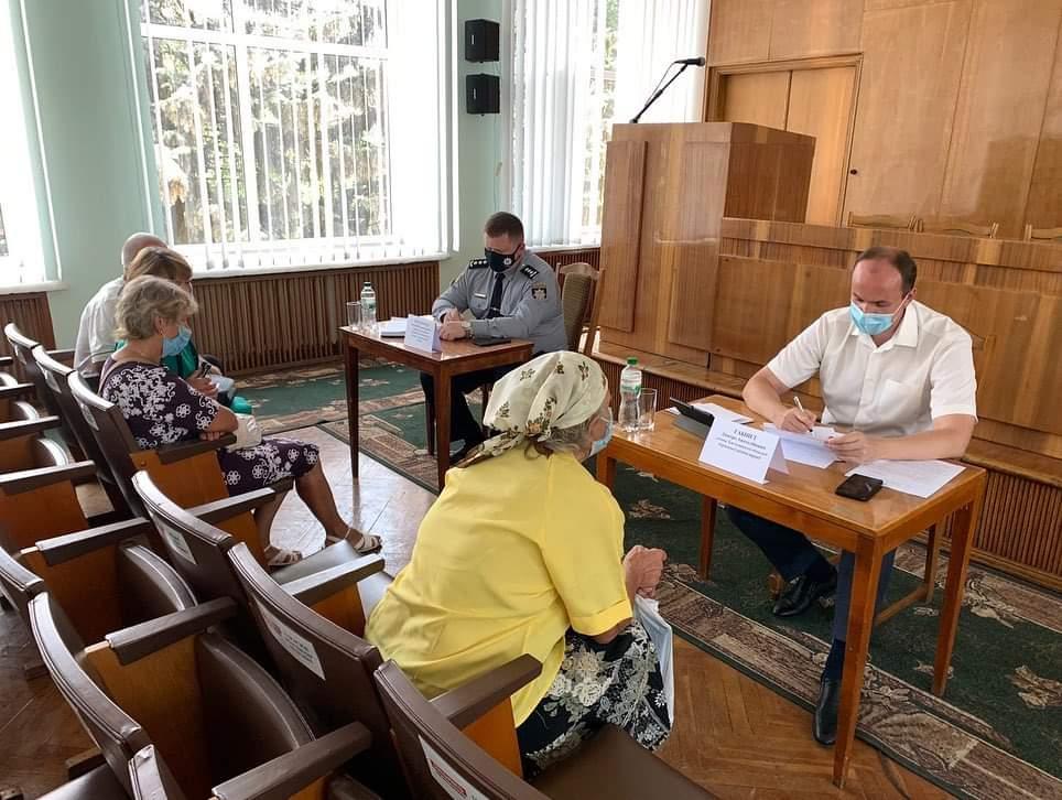 Голова облдержадміністрації Дмитро Габінет провів виїзний прийом громадян на Старокостянтинівщині