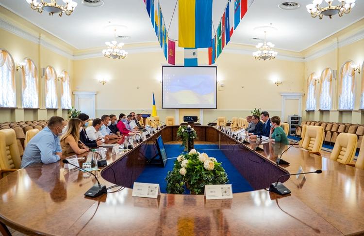 Громади Хмельниччини приєдналися до договору про міжмуніципальне співробітництво «DNISTER CANYON»